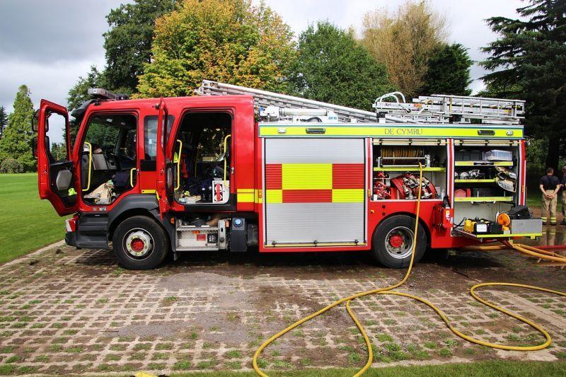 reflektierende Folie auf Feuerwehrfahrzeug